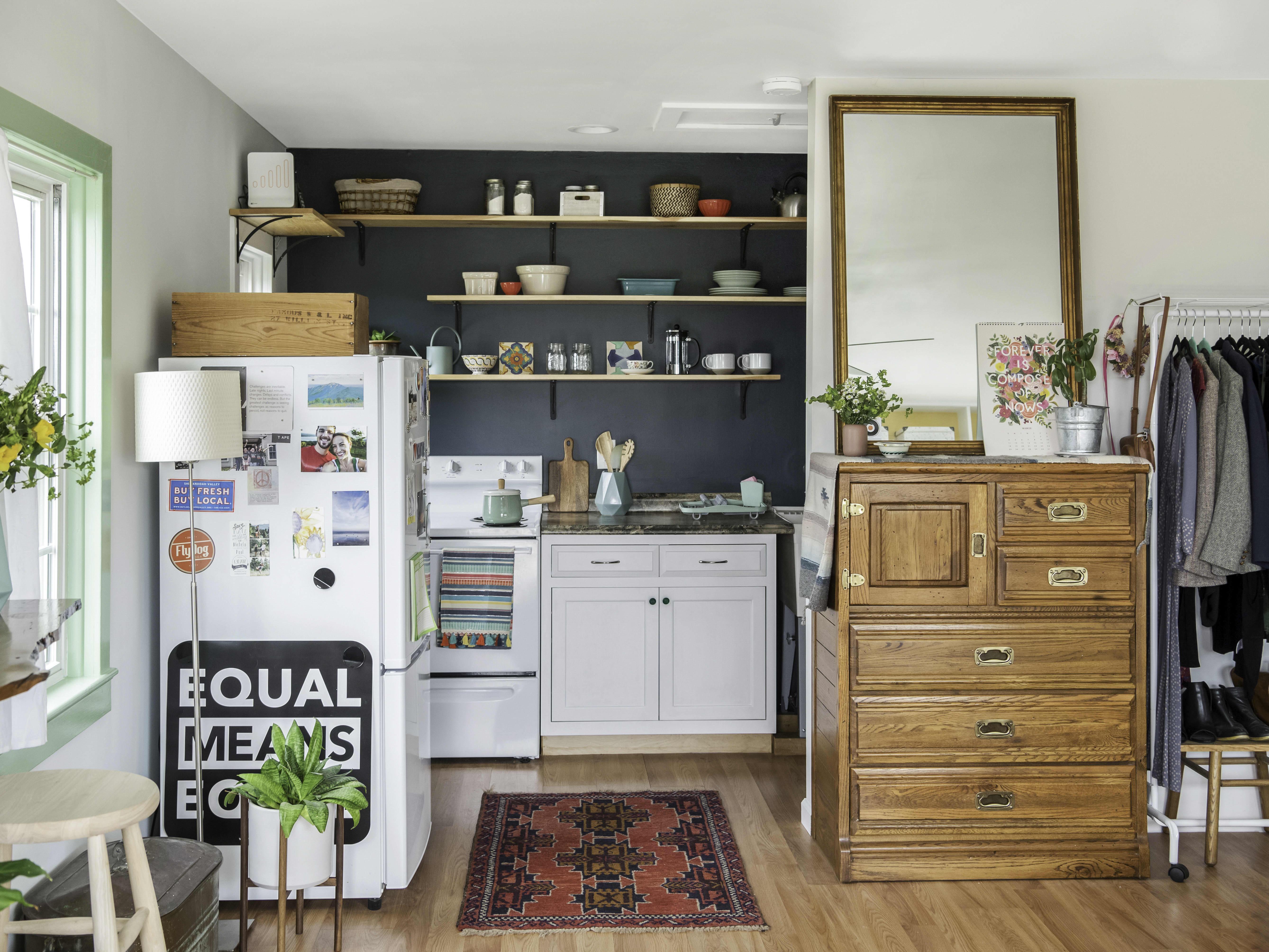 Tremendous Tour A 400 Square Foot Tiny House That Got A Big Color Home Interior And Landscaping Ologienasavecom
