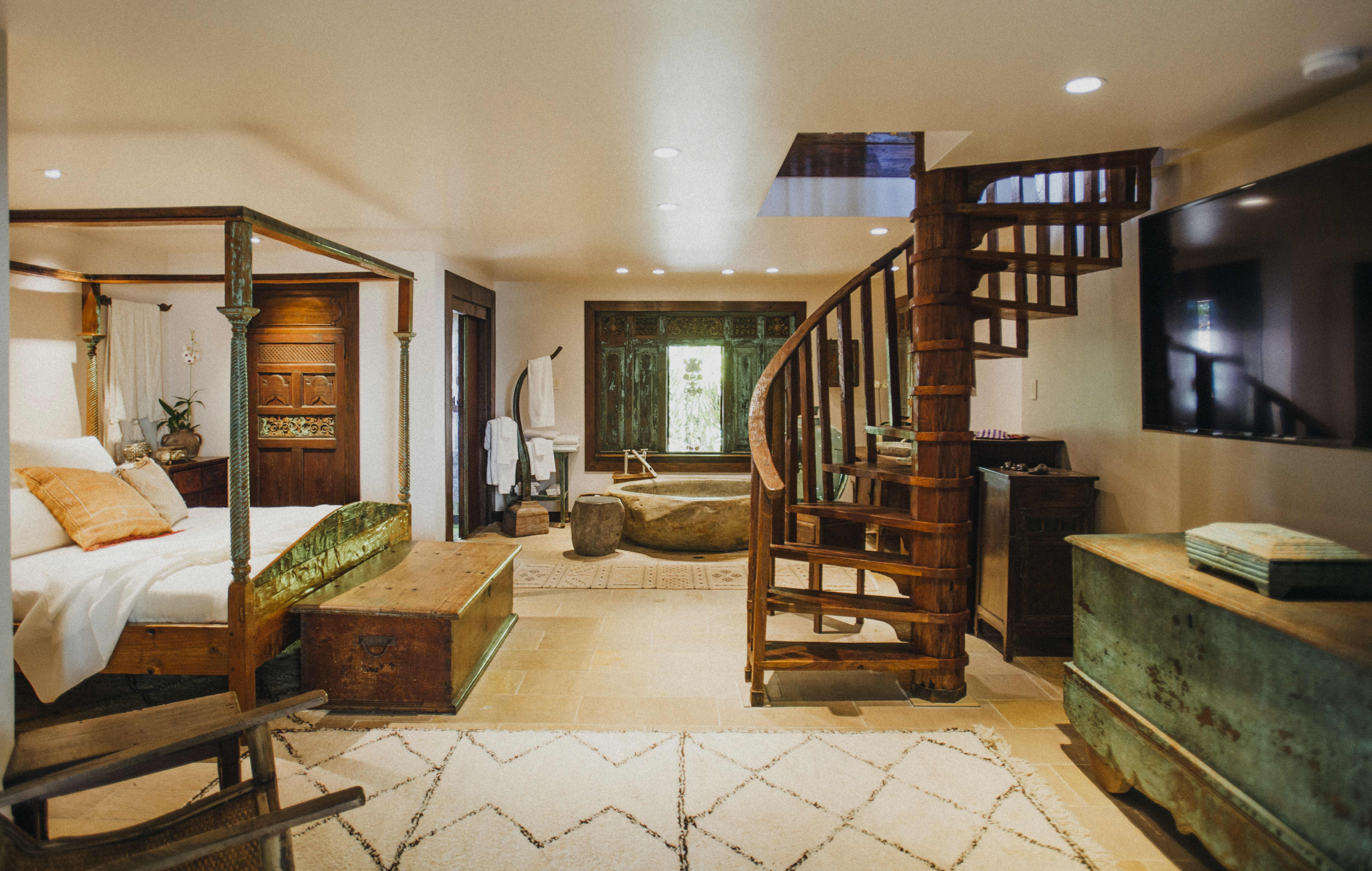 Rustic Bohemian Hawaii Home Surrounded by Jungle | Apartment ...