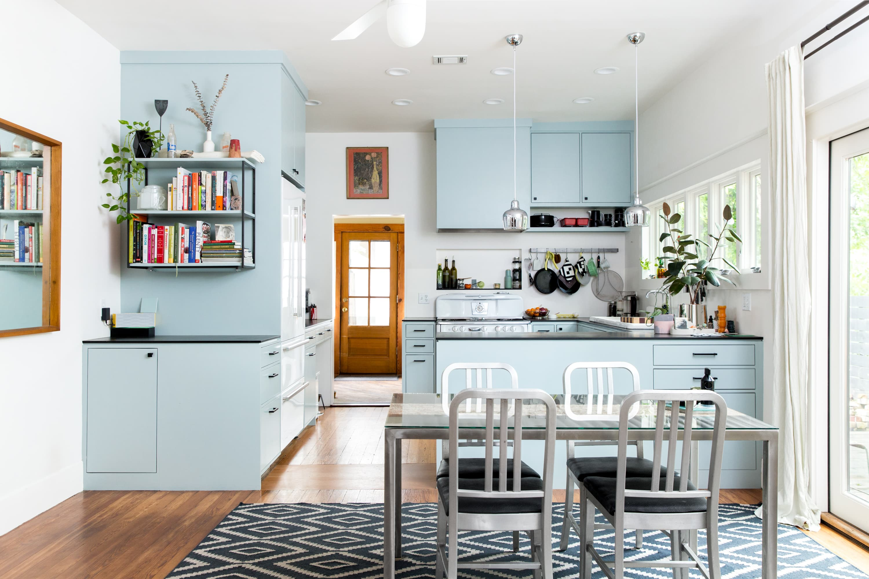 Swell A Diy Renovated Austin Bungalow House Tour Photos Beutiful Home Inspiration Ommitmahrainfo