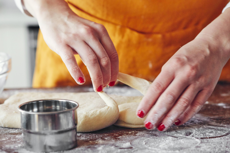 How To Make Jelly Doughnuts (Sufganiyot)