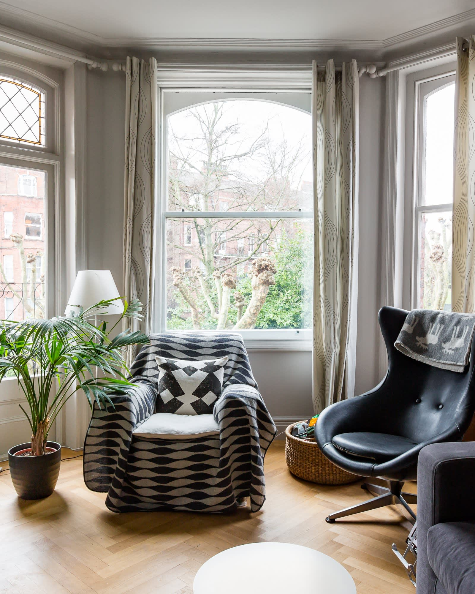 Flat Apartment: House Tour: A Contemporary Classic London Flat