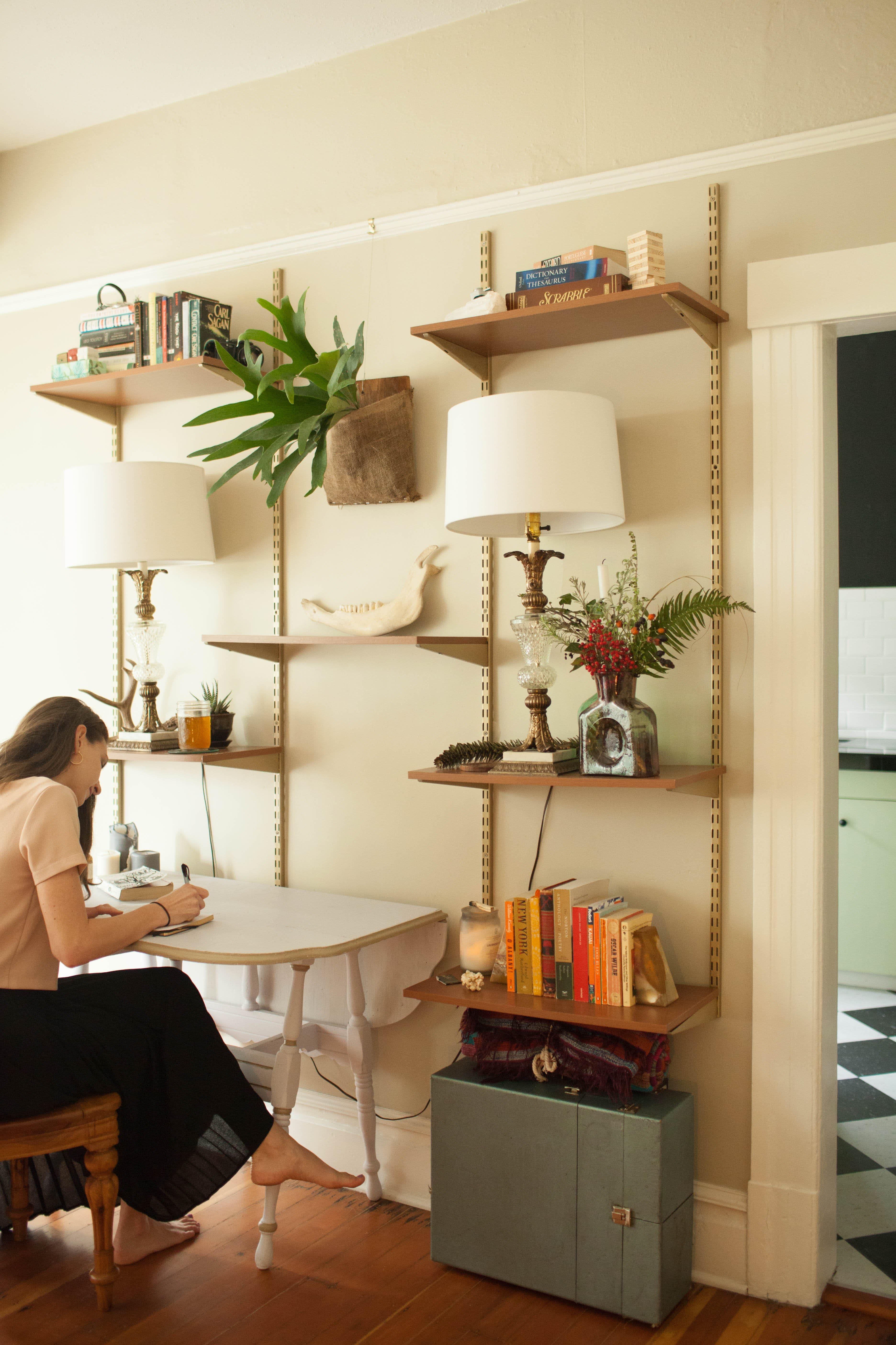 House Tour: A Cozy & Refined Portland Studio Apartment ...