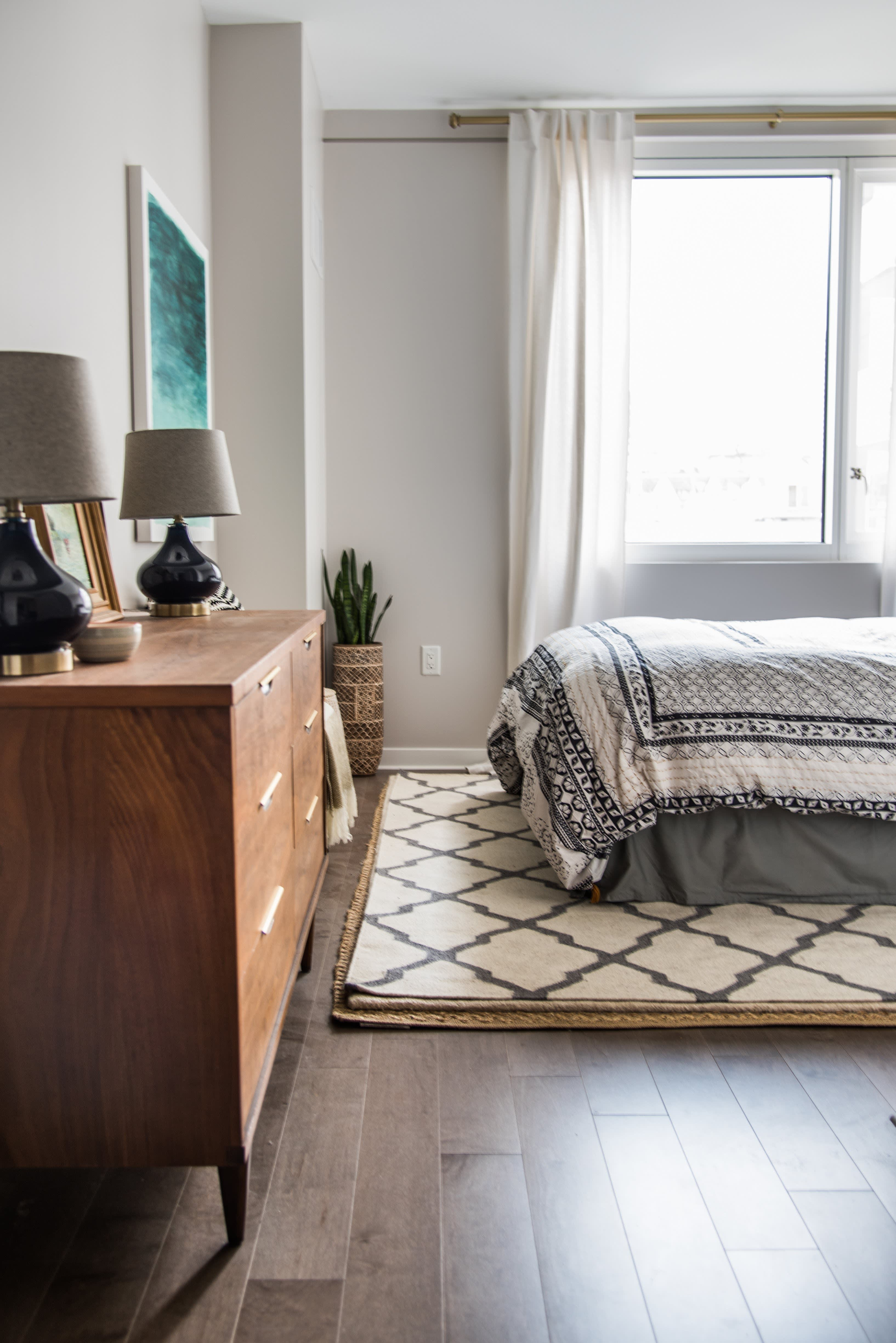 House Tour A Sophisticated Mixed Amp Matched Rental
