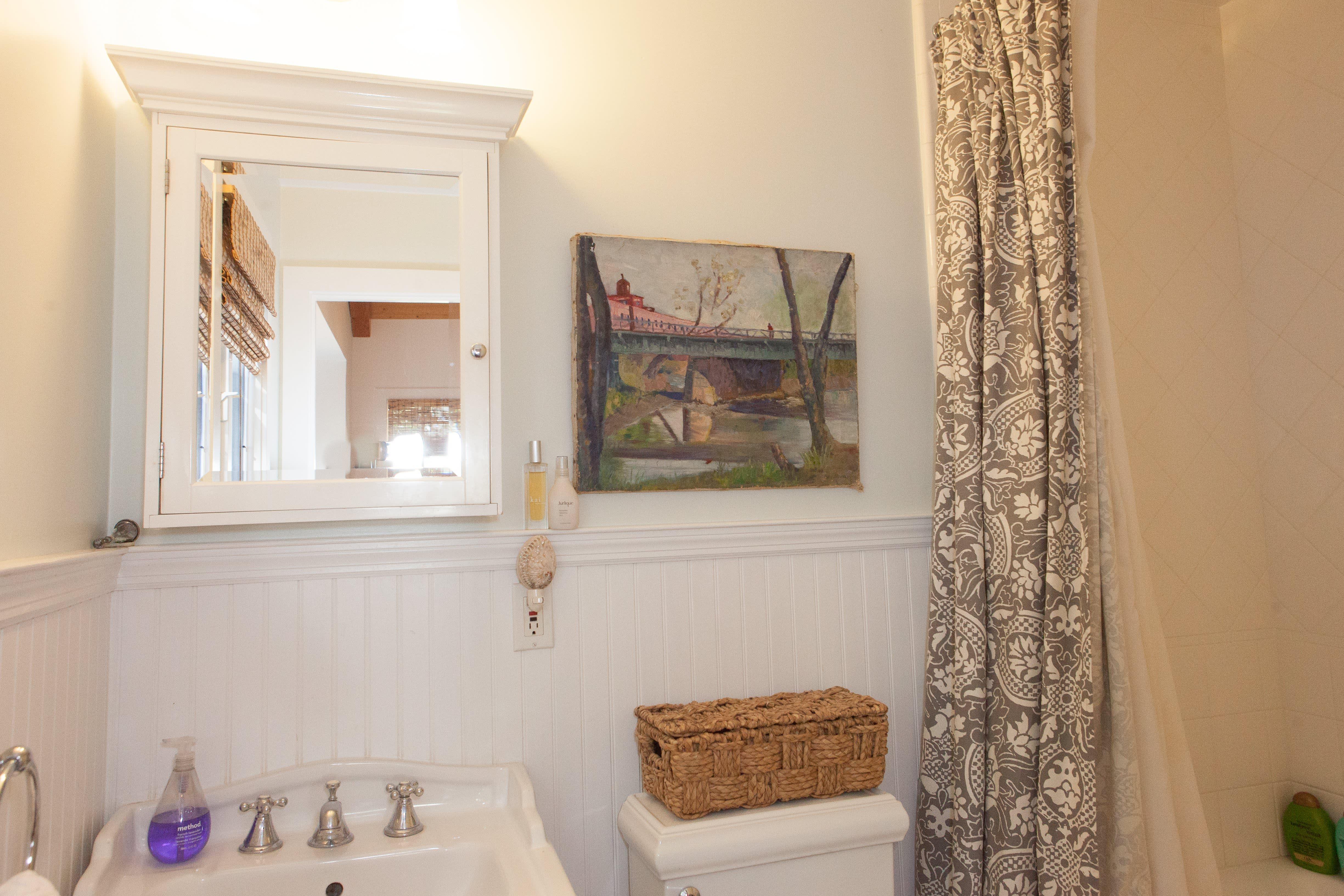 House Tour: A Sunny Santa Barbara Sanctuary | Apartment ...