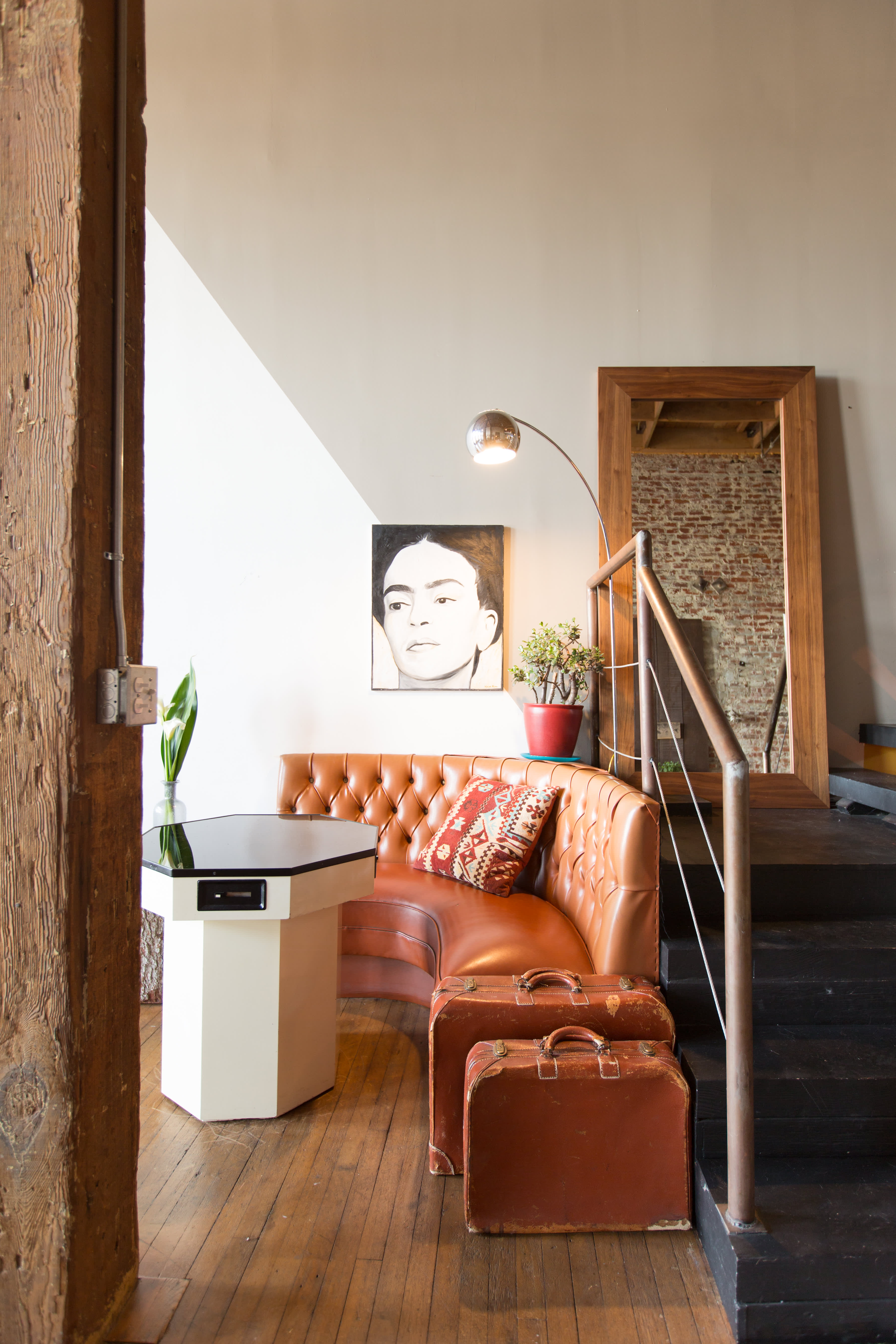 House Tour A Bold Brick Loft In Downtown La Apartment Therapy