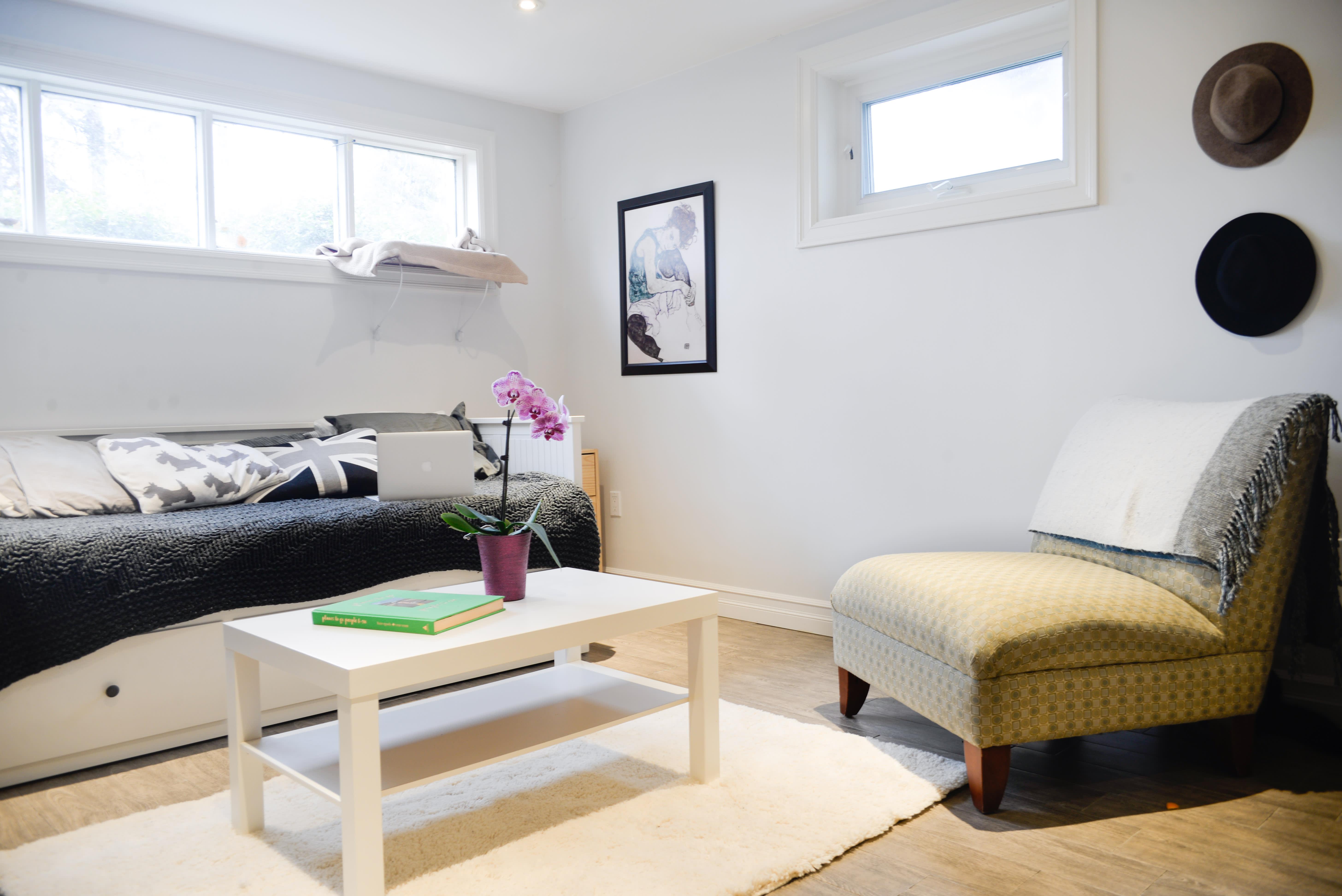 House Tour: A Small, Minimal Basement Studio Apartment ...