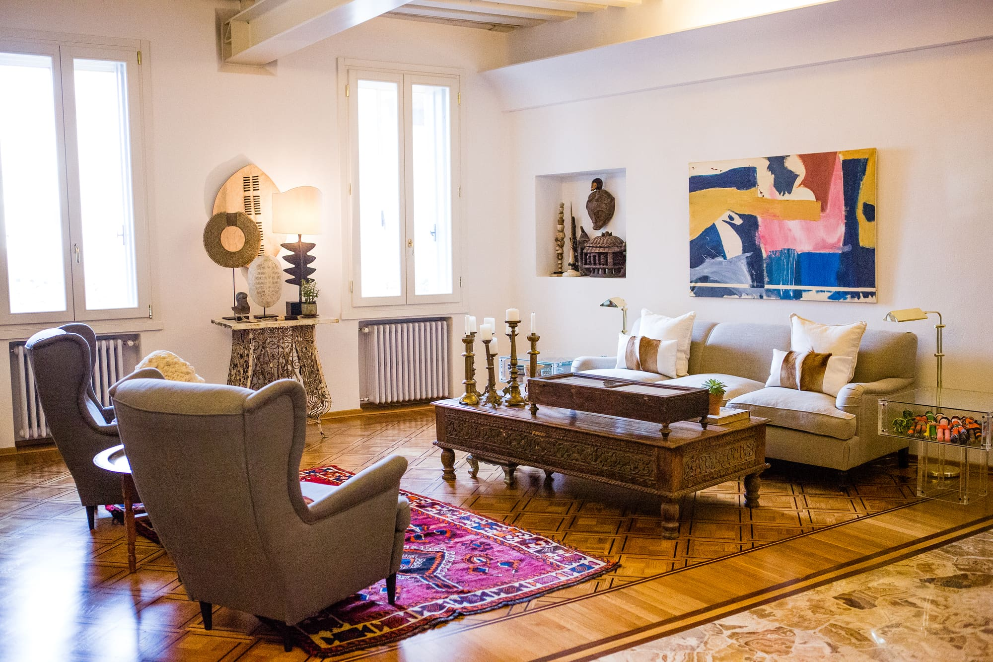 House Tour: A Global & Gorgeous Italian Apartment ...