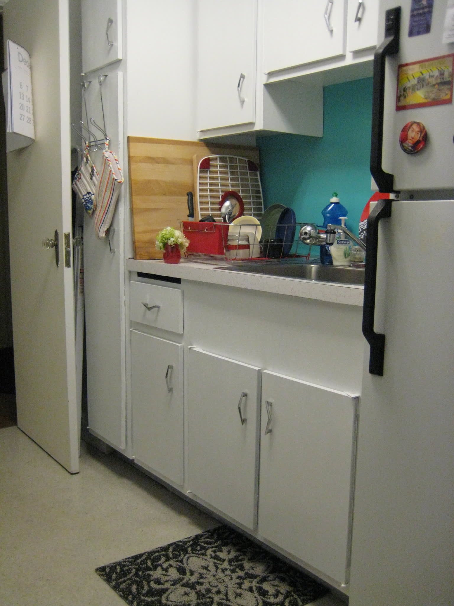 How To Paint Plastic Laminate Kitchen Cabinets Kathleen's ...