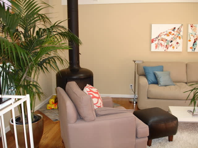 House Tour: Heather's Hip Hideaway (Guest Post): gallery slide thumbnail 4