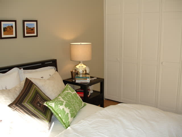 House Tour: Heather's Hip Hideaway (Guest Post): gallery slide thumbnail 3