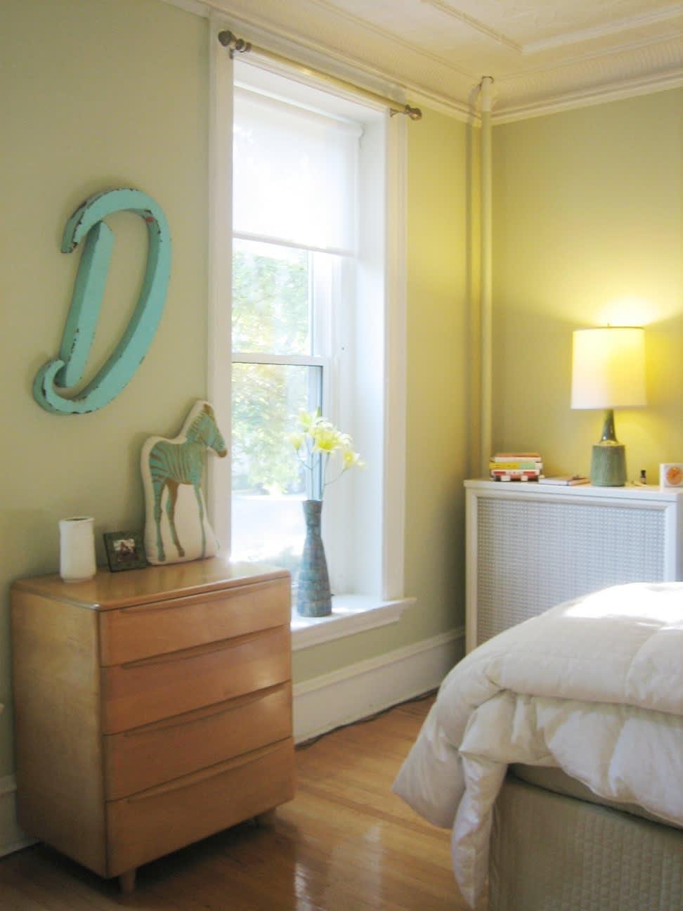 House Tour: Dana's Sunny Logan Square Apartment: gallery slide thumbnail 1