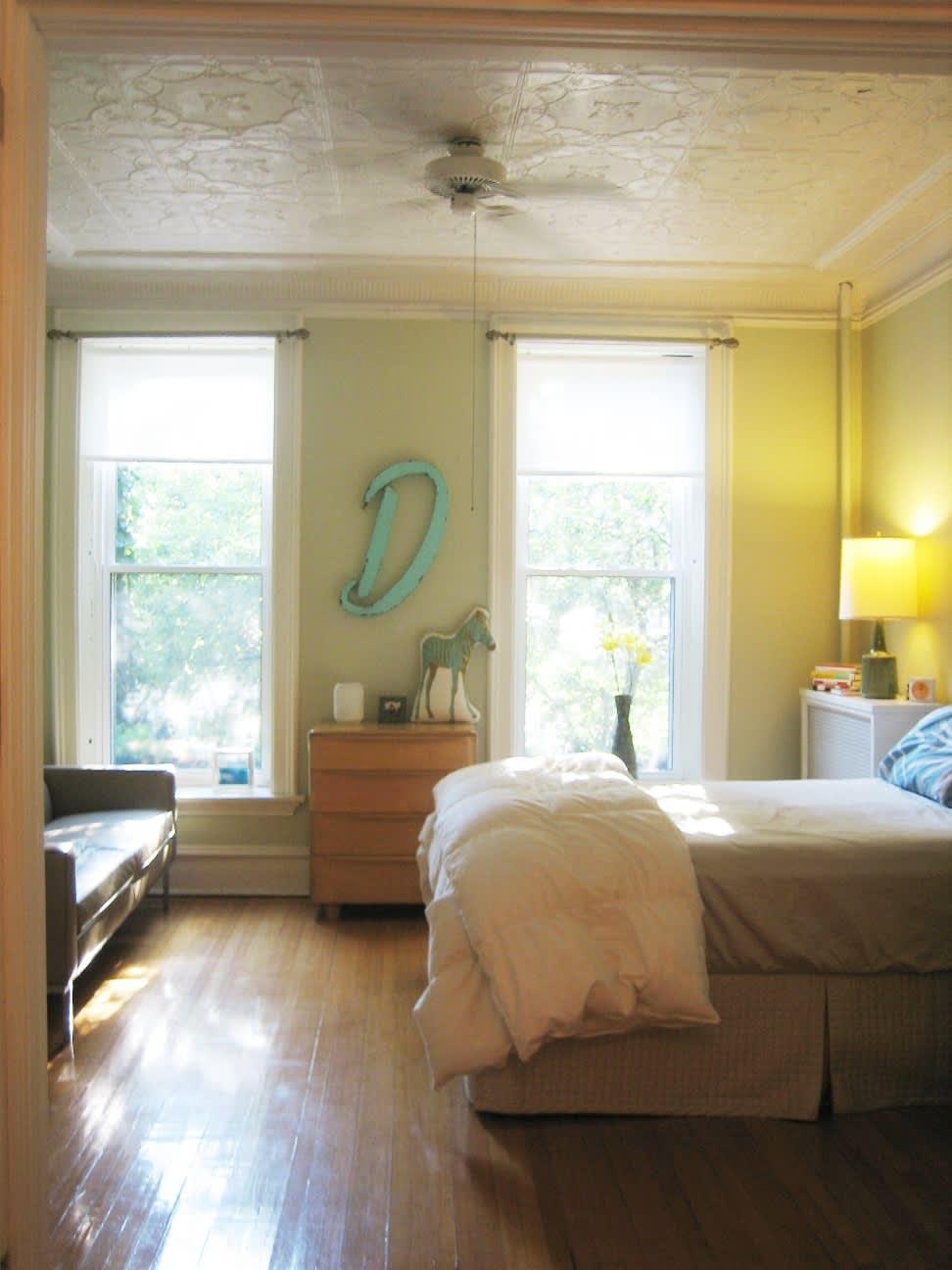 House Tour: Dana's Sunny Logan Square Apartment: gallery slide thumbnail 12