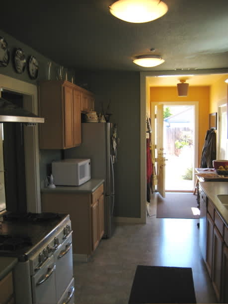 House Tour: Christian & David's Oakland Bungalow: gallery slide thumbnail 17