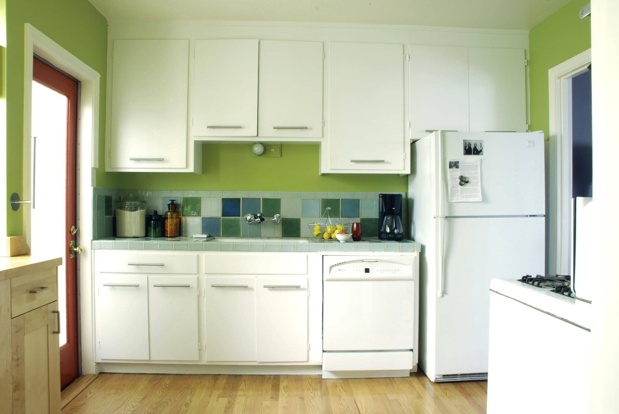 House Tour: Rebecca and Roger's Relaxed Wabi-Sabi Modern: gallery slide thumbnail 1