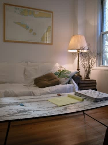 The Inside Out: Cedric's Bachelor Pad: gallery slide thumbnail 3