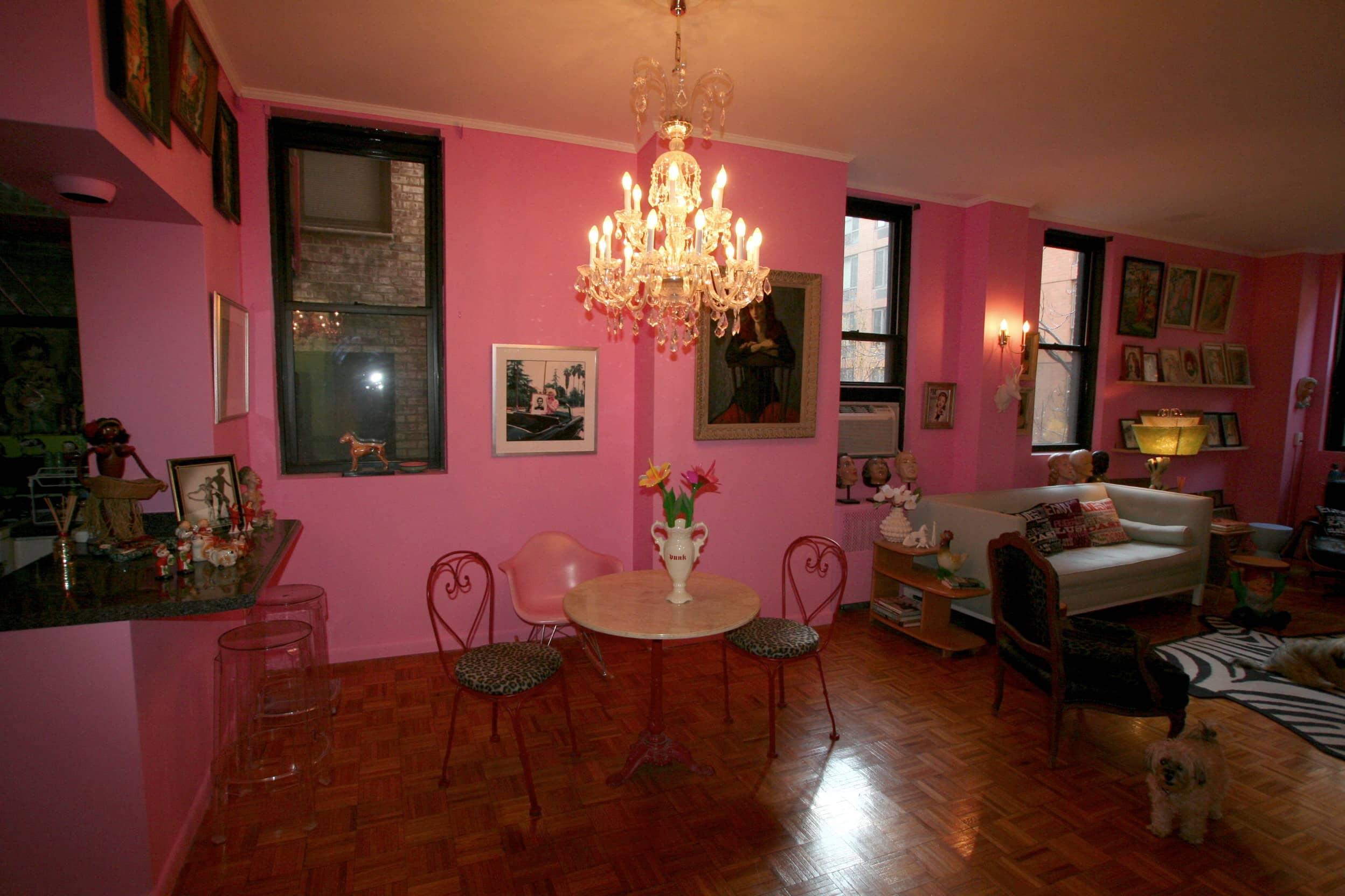 House Tour: Dixie's Bluebird Manor: gallery slide thumbnail 5