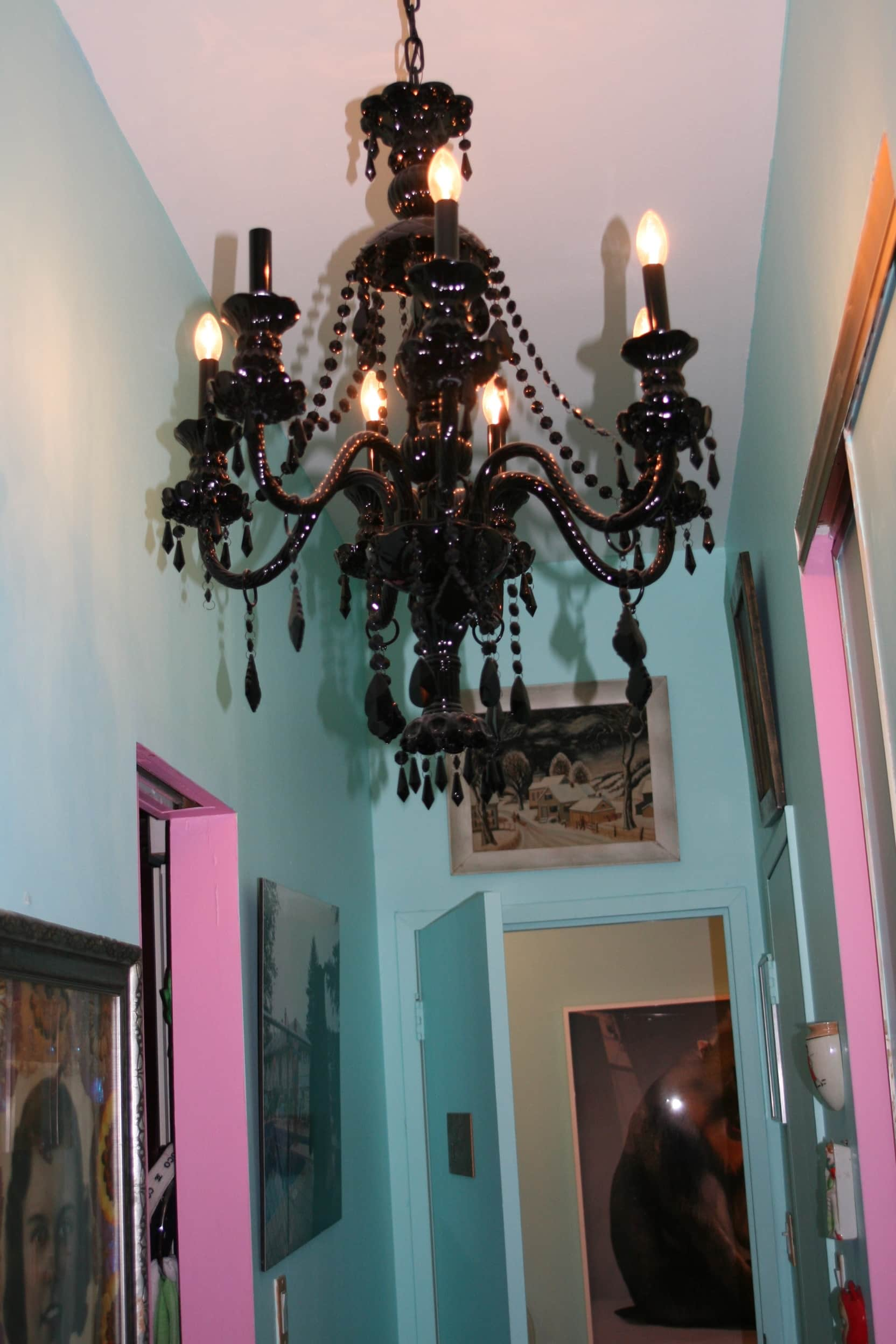 House Tour: Dixie's Bluebird Manor: gallery slide thumbnail 13