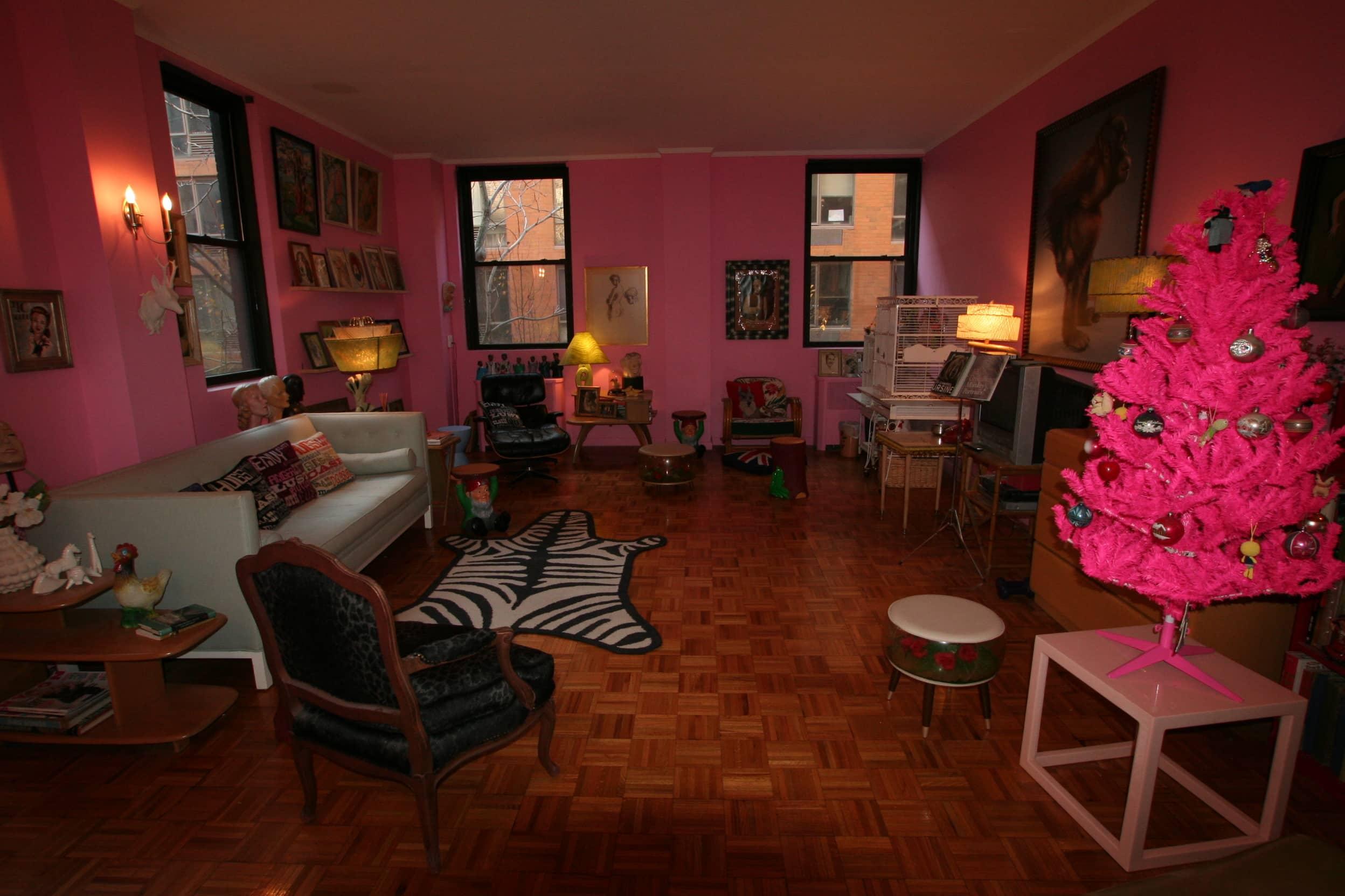 House Tour: Dixie's Bluebird Manor: gallery slide thumbnail 3