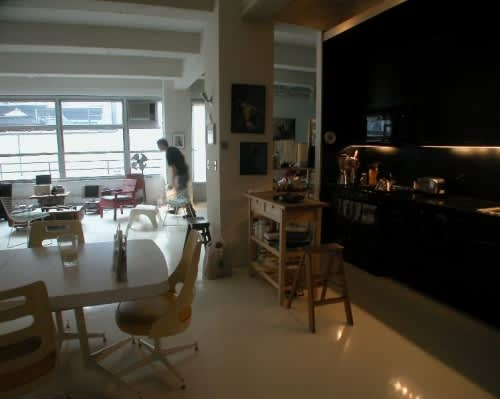 NY House Tour: Justine and David's Home Away from Home: gallery slide thumbnail 3