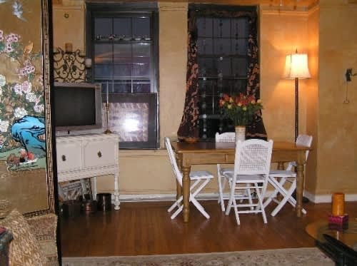 NY House Tour: Phyllis' Long Term Jewel of a Studio: gallery slide thumbnail 12