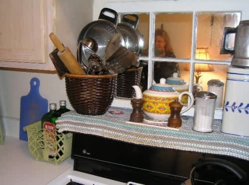 NY House Tour: Phyllis' Long Term Jewel of a Studio: gallery slide thumbnail 24
