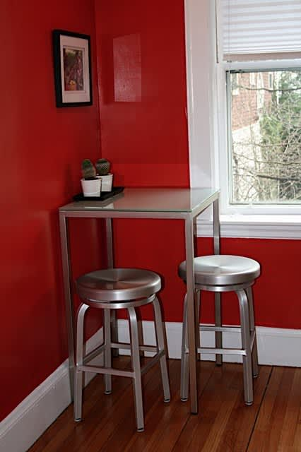 Boston House Tour: Dee's First Apartment – A Study in Details: gallery slide thumbnail 10