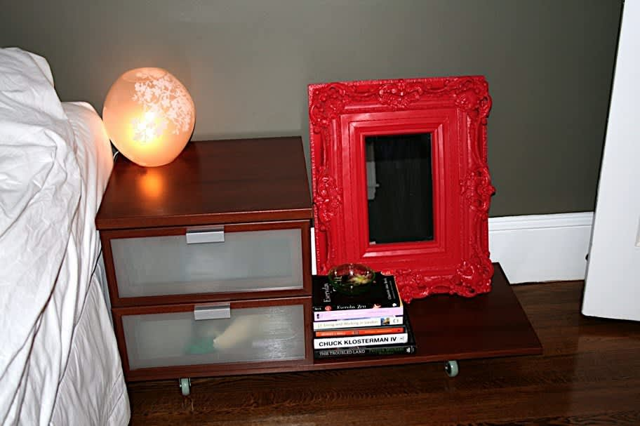 Boston House Tour: Dee's First Apartment – A Study in Details: gallery slide thumbnail 19