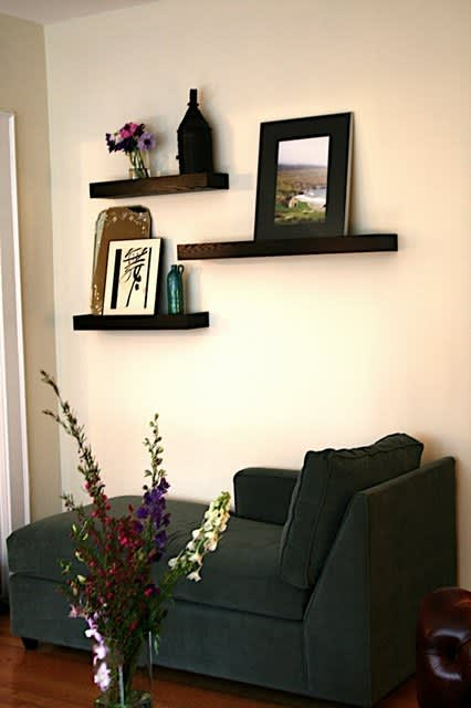 Boston House Tour: Dee's First Apartment – A Study in Details: gallery slide thumbnail 22