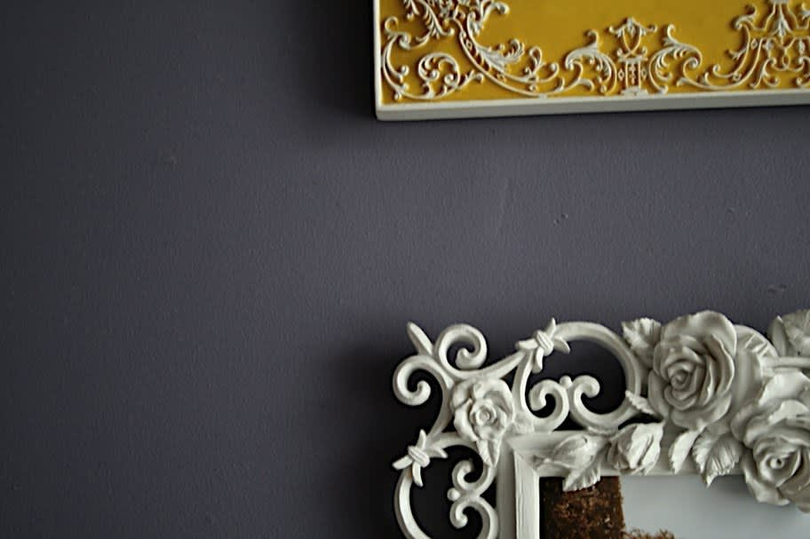 Boston House Tour: Dee's First Apartment – A Study in Details: gallery slide thumbnail 17