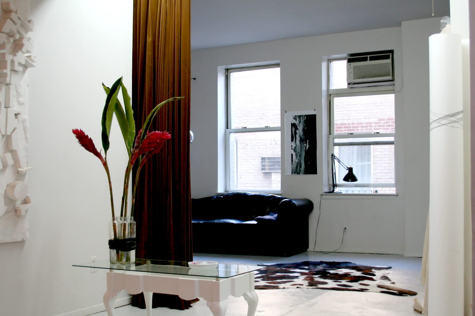 NY House Tour: Axel and Silvia on a Long Stopover: gallery slide thumbnail 3
