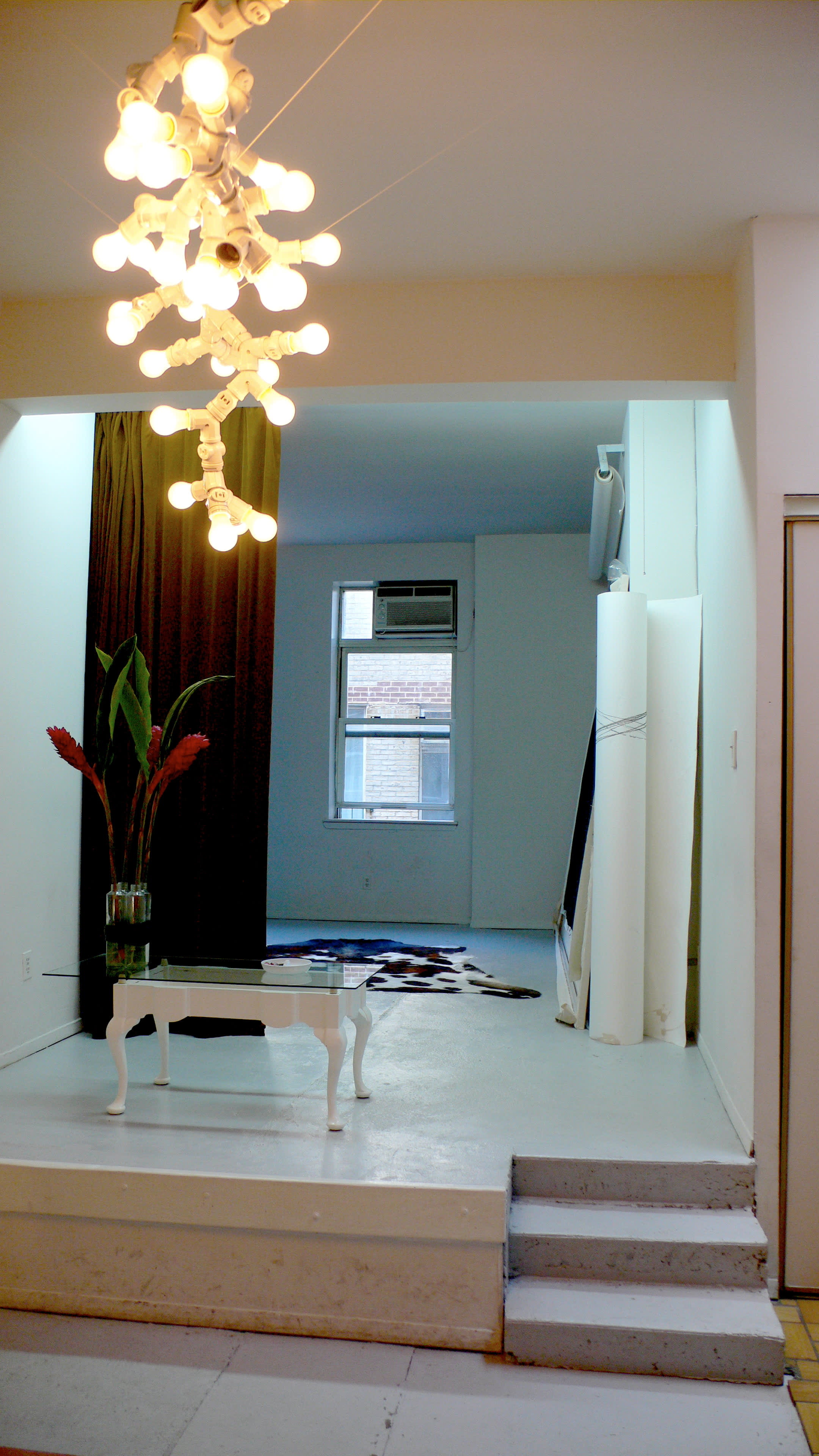 NY House Tour: Axel and Silvia on a Long Stopover: gallery slide thumbnail 16