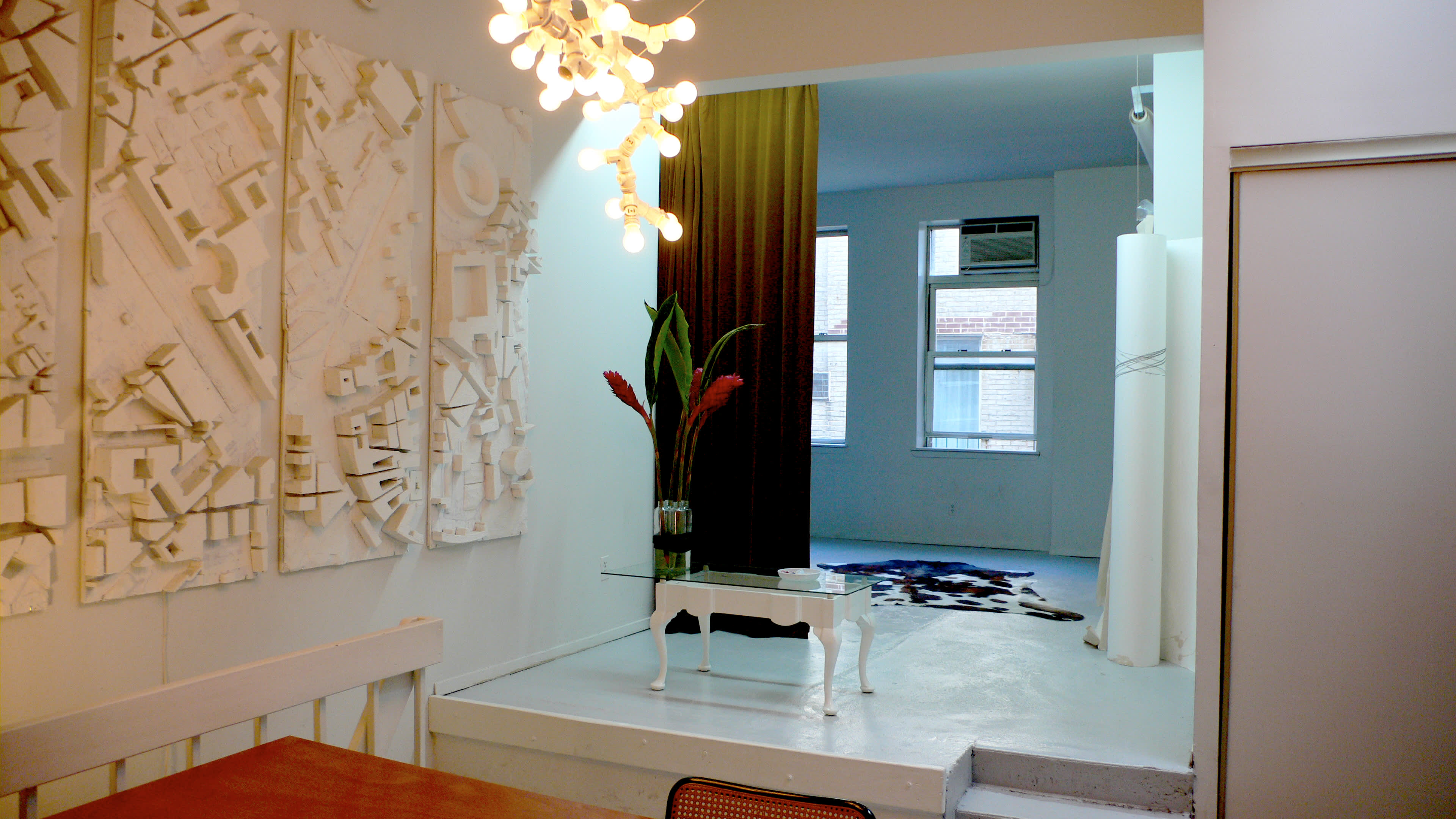 NY House Tour: Axel and Silvia on a Long Stopover: gallery slide thumbnail 24