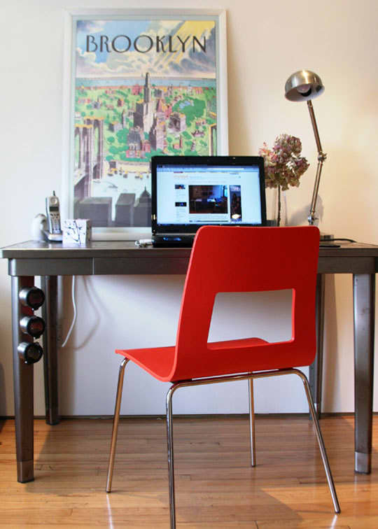 Close-Up: Katy's Tidy Brooklyn Home Office: gallery slide thumbnail 8