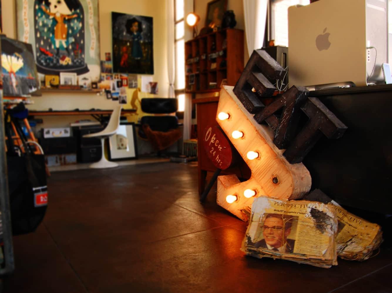 LA House Tour: Anne & Jacob's Curiosity Shop Meets MidCentury Modern: gallery slide thumbnail 21
