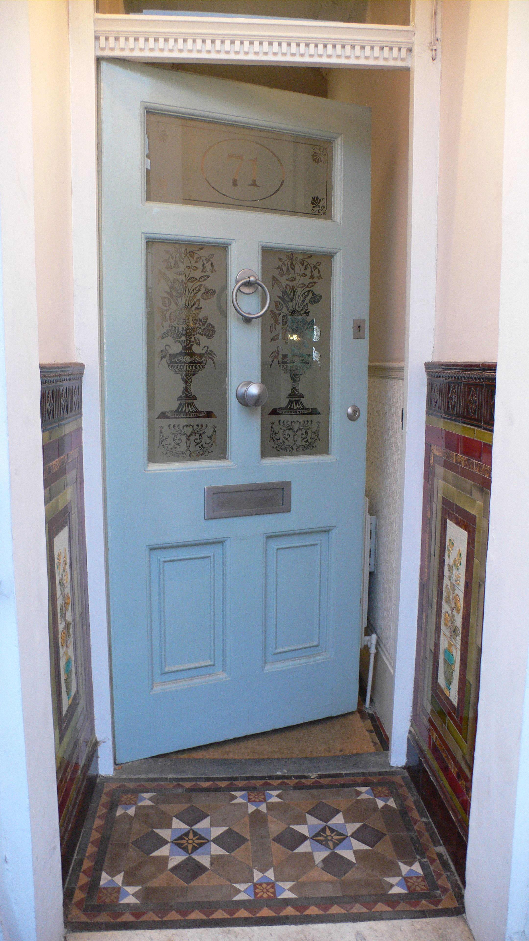 House Tour: Liz's South African DenLondon, England: gallery slide thumbnail 4
