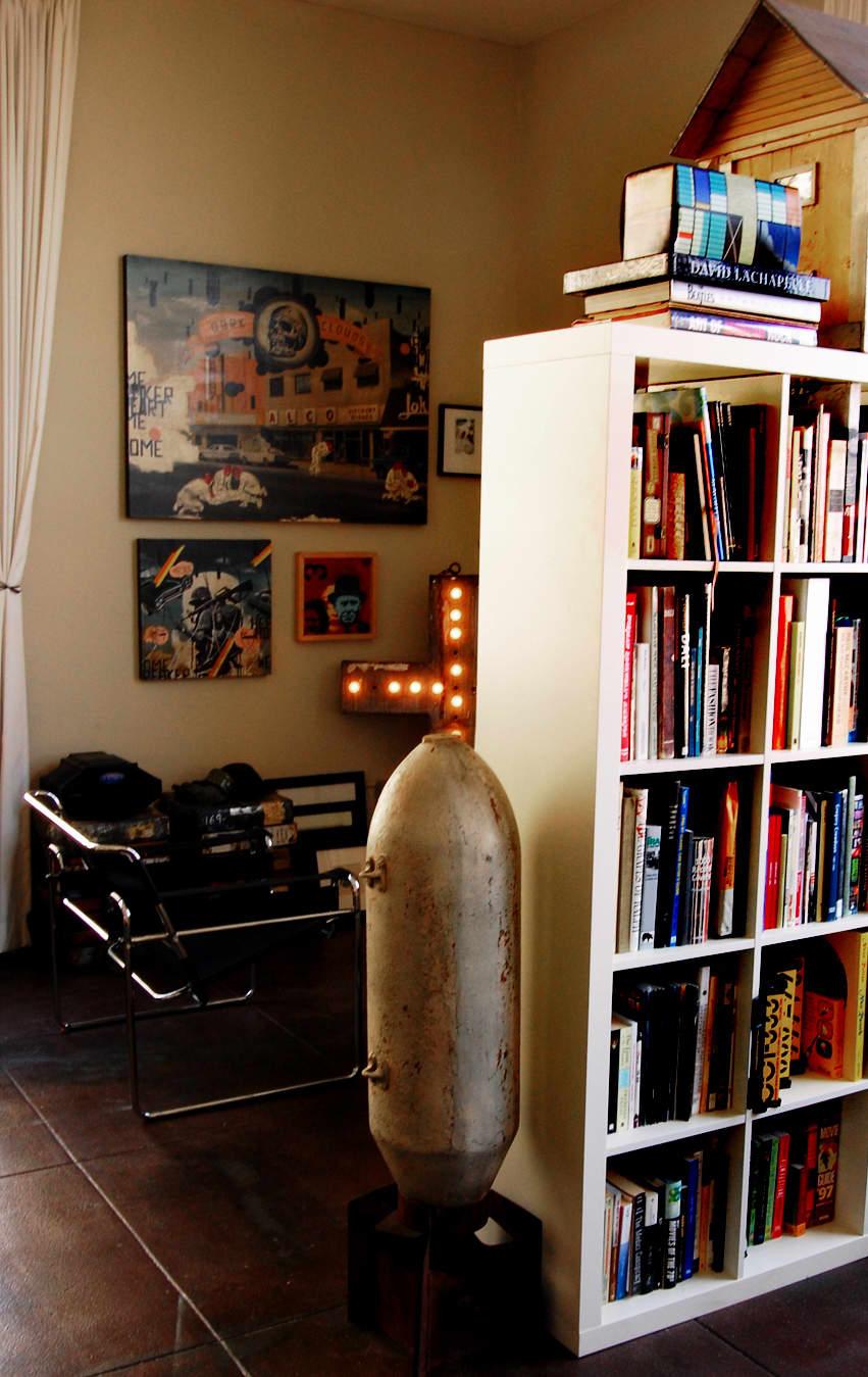 LA House Tour: Anne & Jacob's Curiosity Shop Meets MidCentury Modern: gallery slide thumbnail 13
