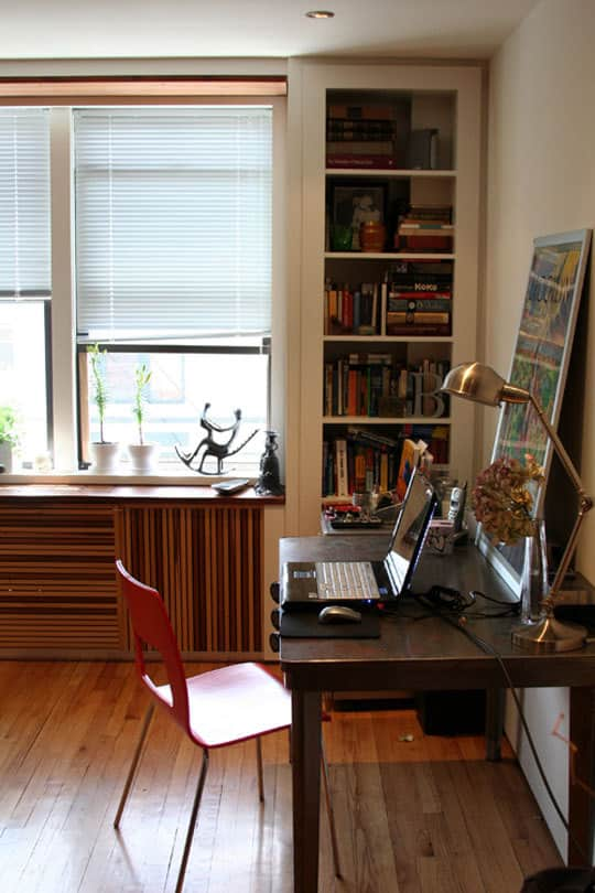 Close-Up: Katy's Tidy Brooklyn Home Office: gallery slide thumbnail 5