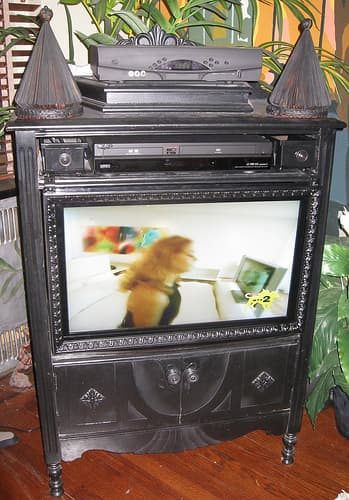 AT Book Alert House (TV) Tour: Curtis Goes 21st Century!: gallery slide thumbnail 3