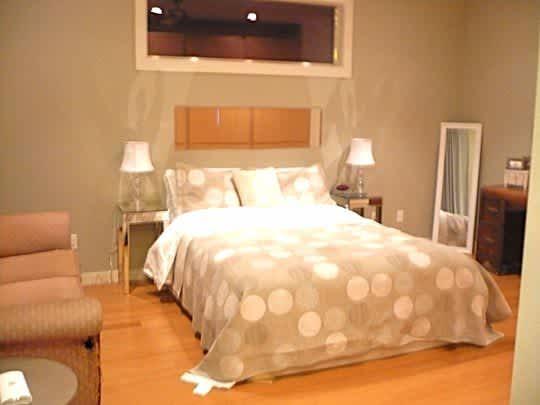 Austin House Tour: Kelly's Modern 5-Star Green Home: gallery slide thumbnail 10