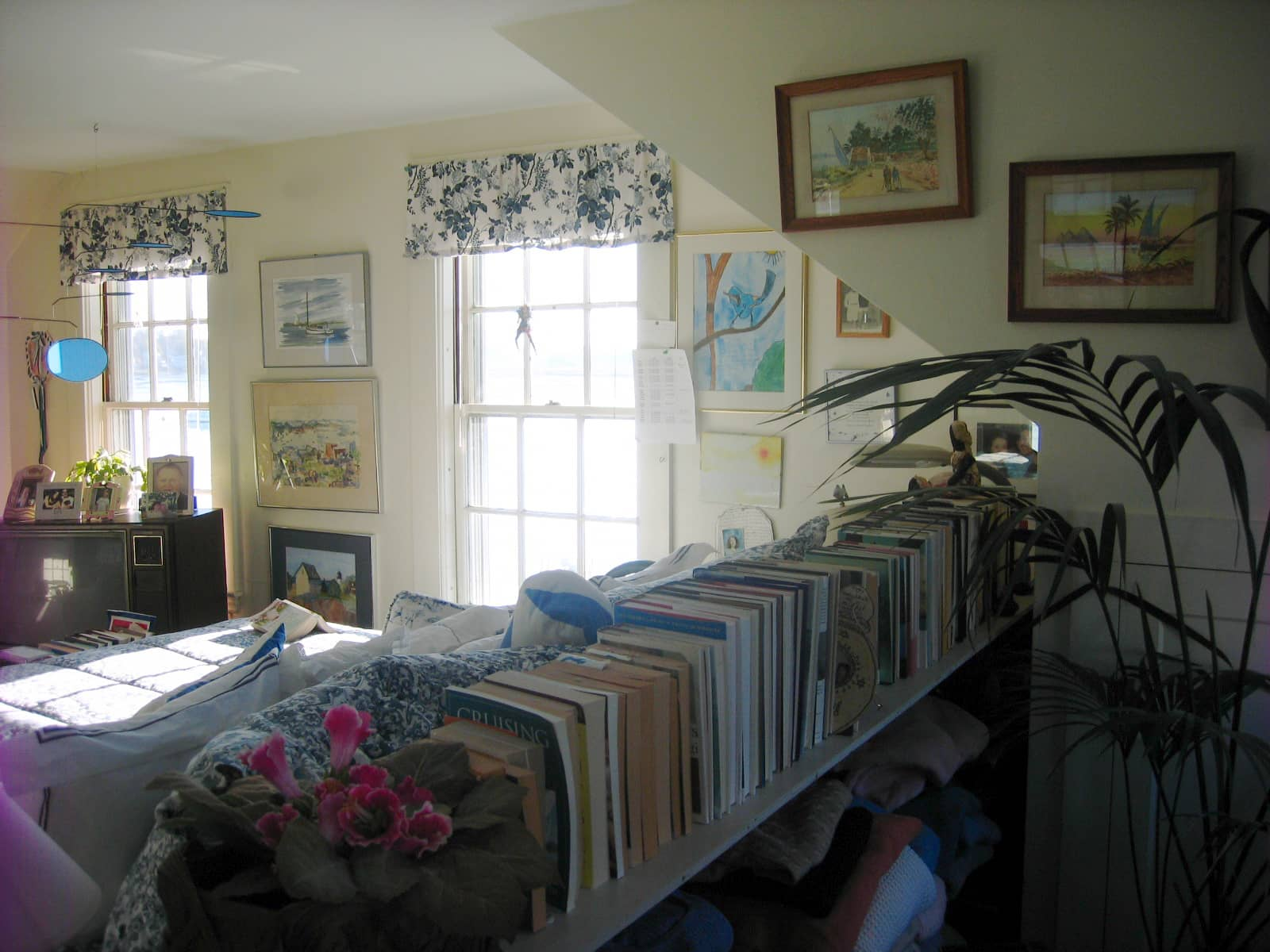89 Year Old Woman Shares Her Seaside Cottage with AT!: gallery slide thumbnail 2