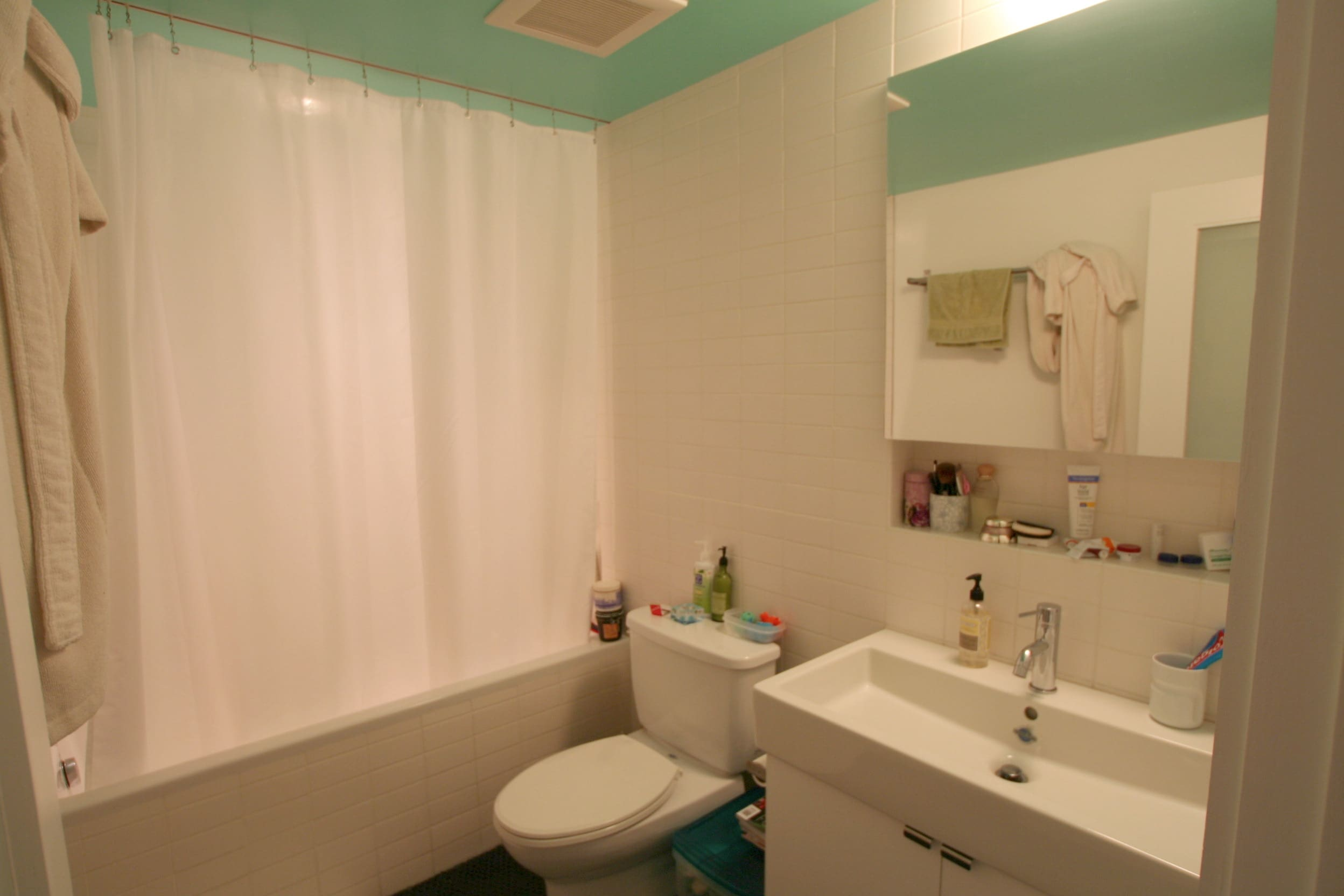 House Tour: Lucinda and Nicholas' Transformed Tenement: gallery slide thumbnail 36