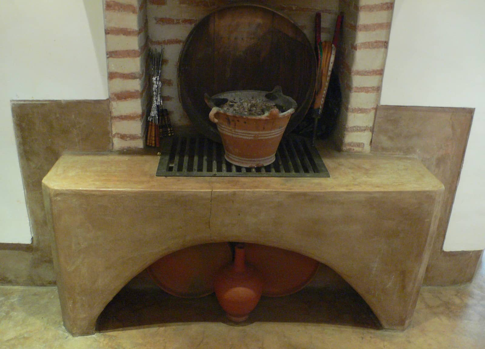 House Tour: Oliver's Moroccan Riad: gallery slide thumbnail 5