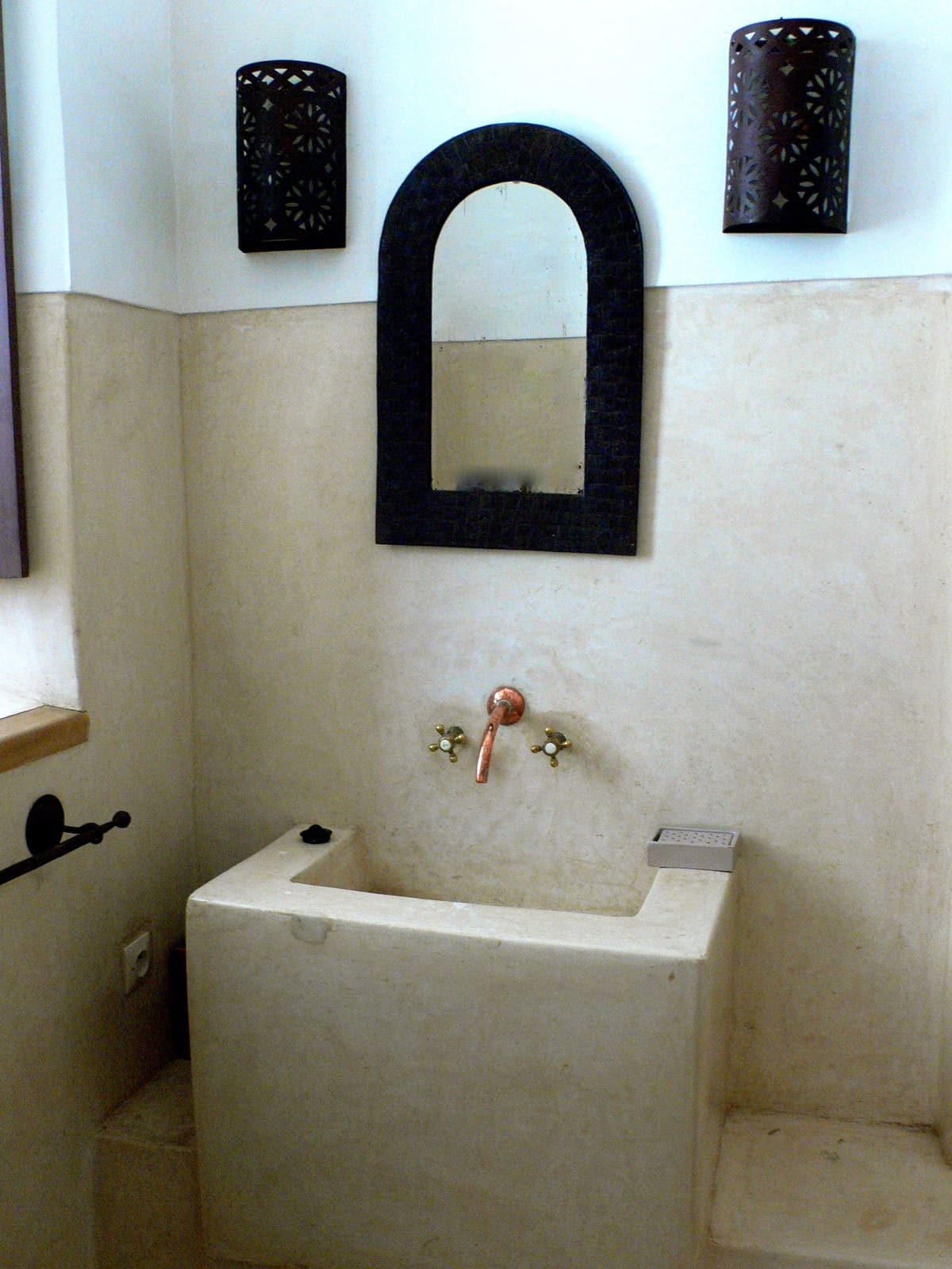 House Tour: Oliver's Moroccan Riad: gallery slide thumbnail 10