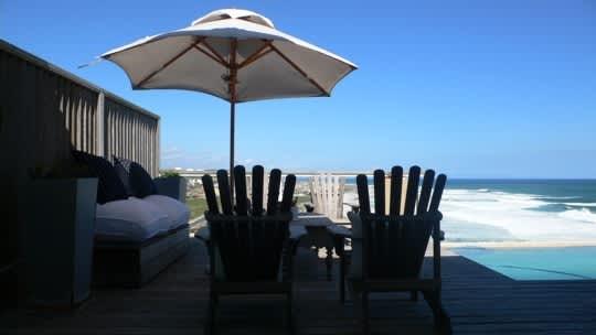 House Tour: Flo's Cape Cod Retreat: gallery slide thumbnail 1