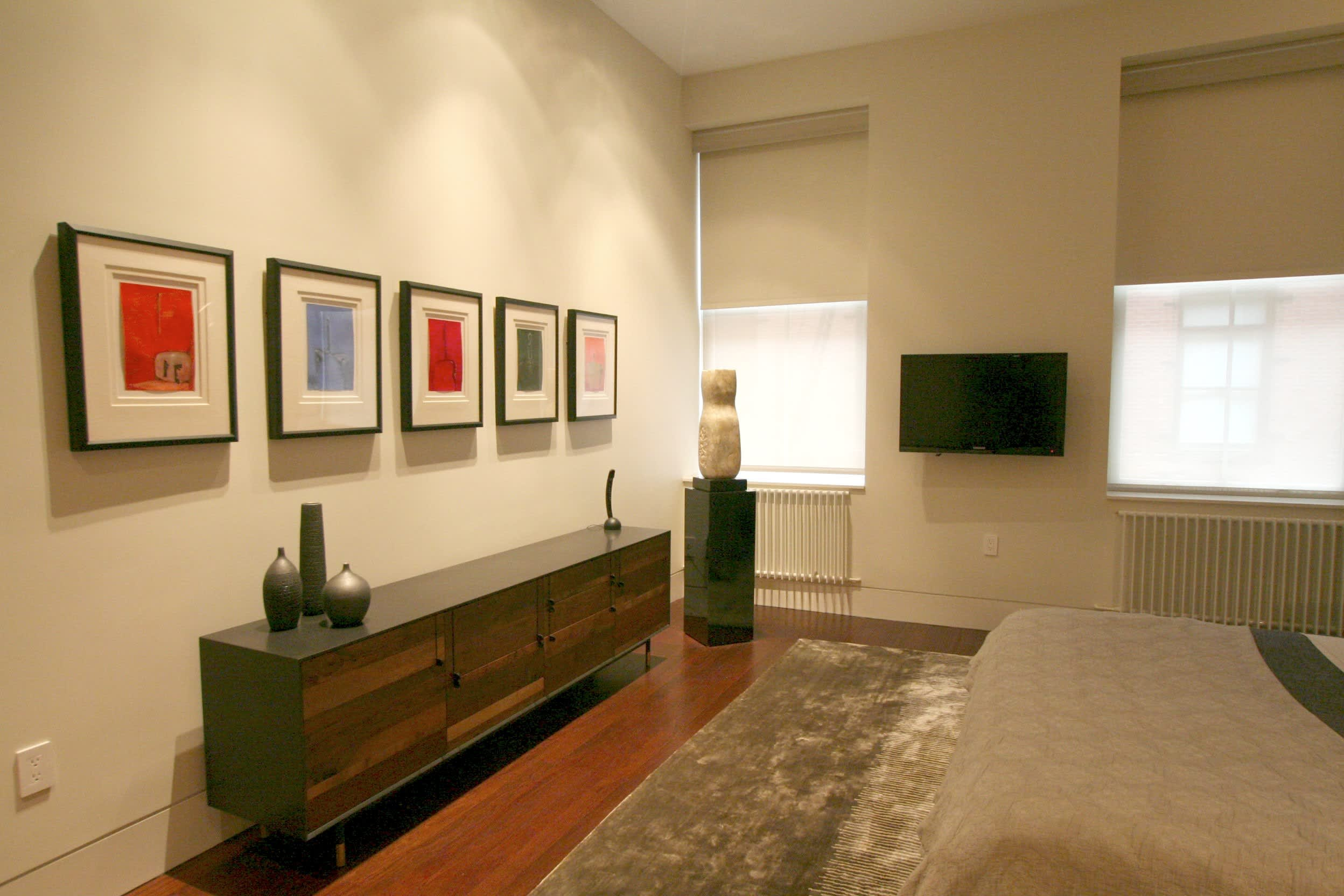 House Tour: Jae Crafts a Sanctuary Around Art: gallery slide thumbnail 11