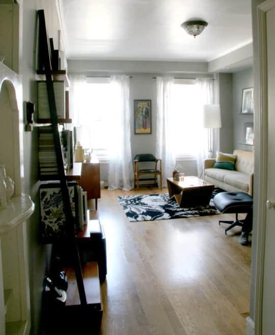 House Tour: Brenden's & Shannon's Pint-Sized Pad: gallery slide thumbnail 4