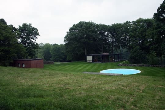 Modern Escape: Round Pool at The Glass House: gallery slide thumbnail 1