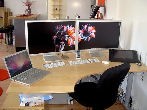 10 Best Multi-Monitor Mac Setups: gallery slide thumbnail 4