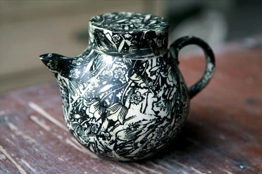 Lovely Porcelain by Samantha Robinson: gallery slide thumbnail 5