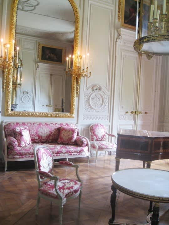 House Tour: Marie Antoinette's Petit Trianon: gallery image 1